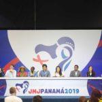 El Papa almuerza con jovenes en Panamá